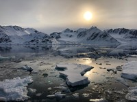 Morning sun in northwestern Svalbard
