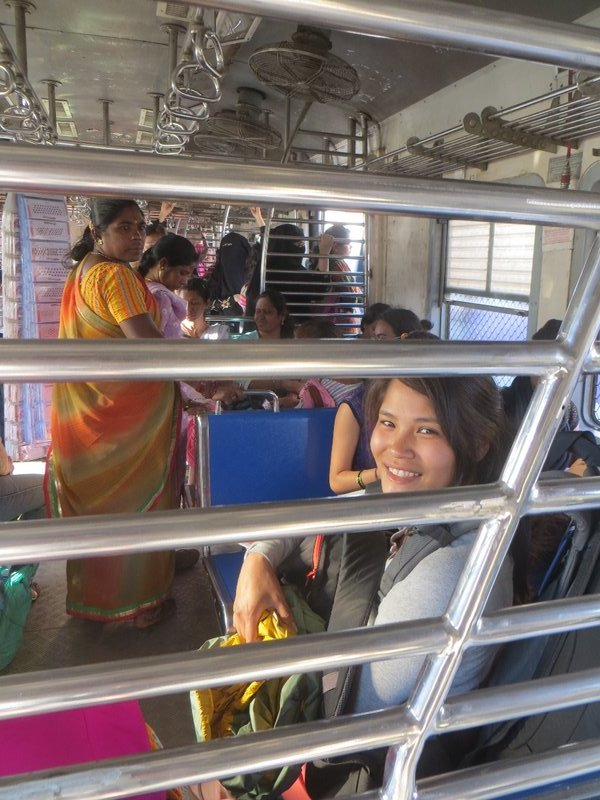 Train compartiment femme à Mumbai