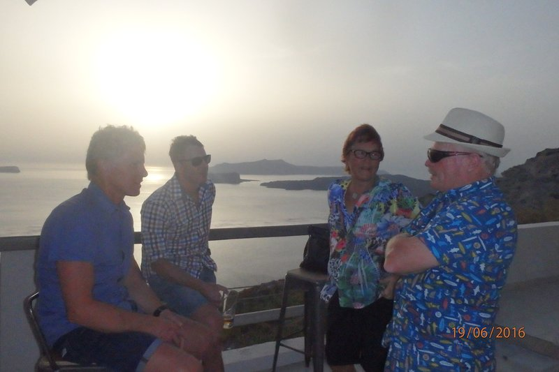 A 'coast to coast' on Santorini wouldn't be that difficult?!