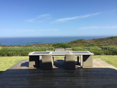 Picnic table overlooking the beach