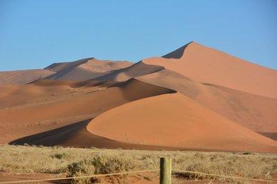 Soussevlei_Sand_Dunes.jpg
