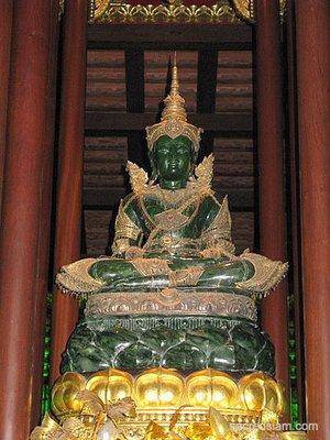 Emerald_Buddha.jpg