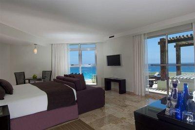 cancun_bedroom.jpg