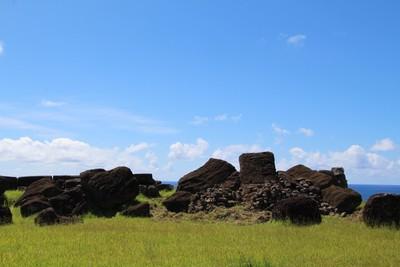 ahu-vinapu-easter-island_32867903140_o.jpg