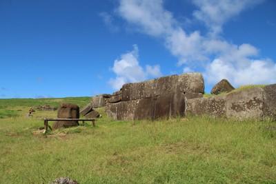 ahu-vinapu-easter-island_33250975375_o.jpg