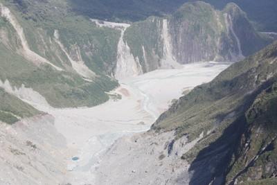 franz-josef-glacier-waiho-river_49920203967_o.jpg