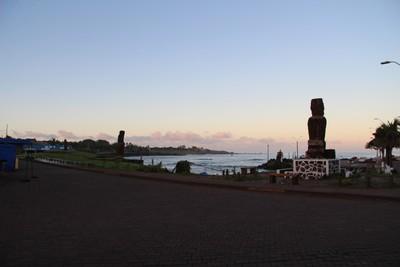 hanga-roa-easter-island_32867463960_o.jpg