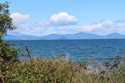 lake-taupo-north-island-new-zealand_49919338721_o.jpg