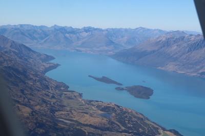 lake-wakatipu-new-zealand_30159411906_o.jpg
