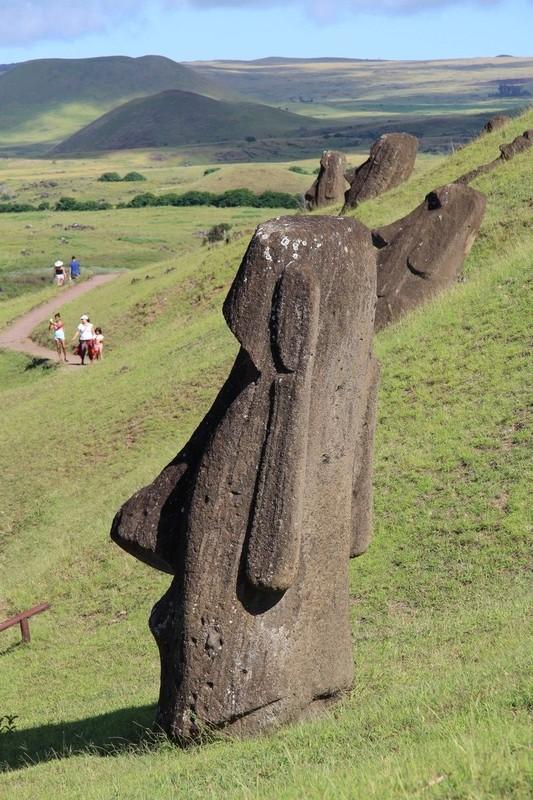 large_270_rano-raraku-moai-quarry-easter-island_33251389305_o.jpg