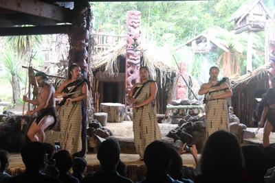 mitai-maori-show-rotorua_49919521647_o.jpg