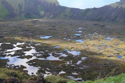 rano-kau-easter-island_33209282126_o.jpg