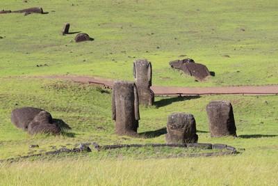 rano-raraku-moai-quarry-easter-island_32436826143_o.jpg