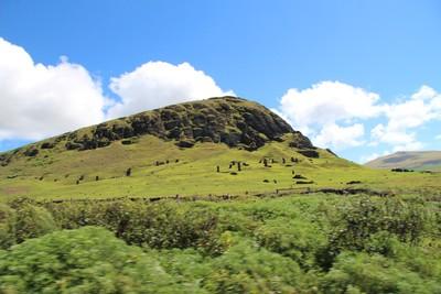 rano-raraku-moai-quarry-easter-island_32868253120_o.jpg
