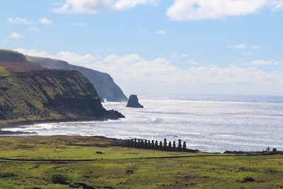 rano-raraku-moai-quarry-easter-island_32868275370_o.jpg