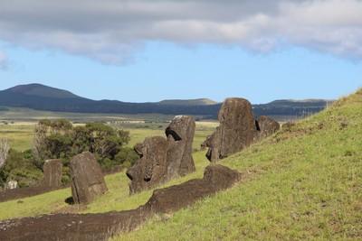 rano-raraku-moai-quarry-easter-island_33209879836_o.jpg
