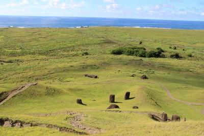 rano-raraku-moai-quarry-easter-island_33209923866_o.jpg