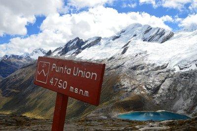 Punta Union - Santa Cruz trek