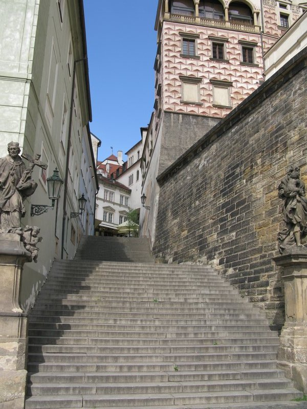 Steep steps on the way to the Castle