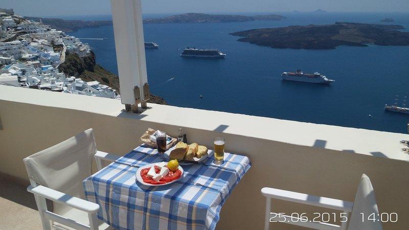 Lunch overlooking the Caldera