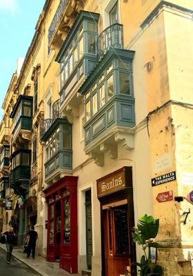 M - Maltese balconies Valletta