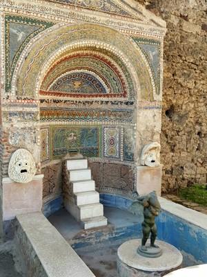 House fountain Pompei