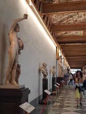 Main hall Uffizi Gallery