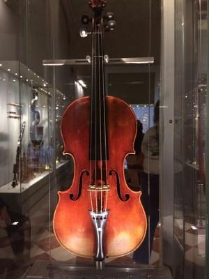 18th century Stradivari cello  Galleria dell'Accademia