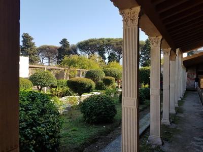 Palace garden Pompei