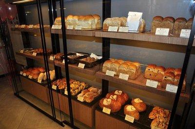 Breads_at__Epi_D_Or_Cafe.jpg