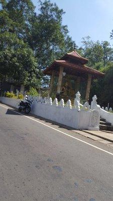 Middle-of-the-Roadside Buddha - 2