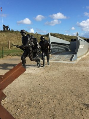 Memorial to US soldiers and the landing craft