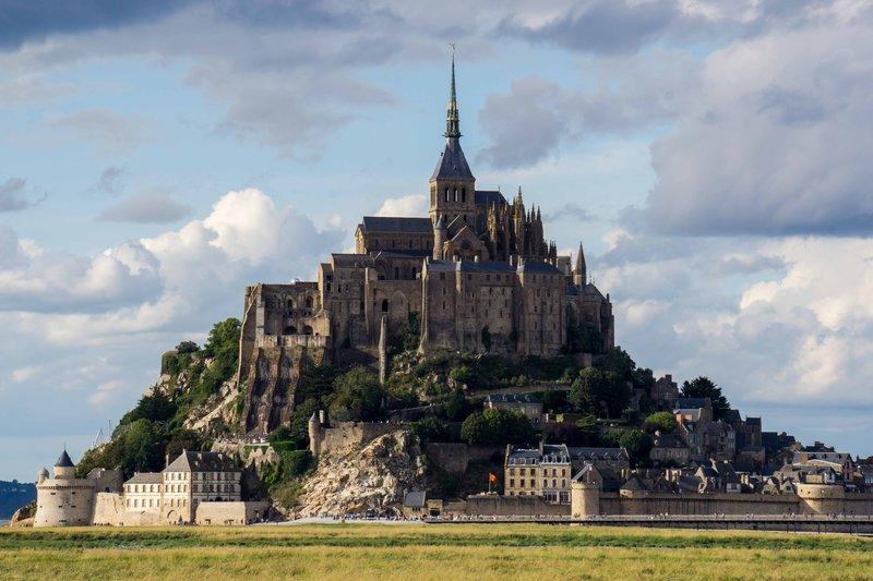 large_Mont__Saint-Michel-1.jpg