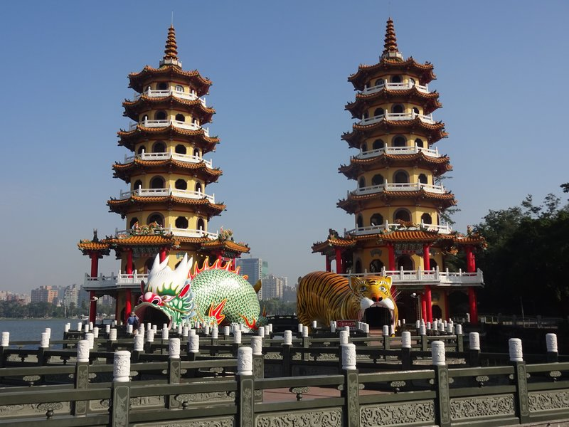 Dragon Tiger Pavilion, Lotus Lake