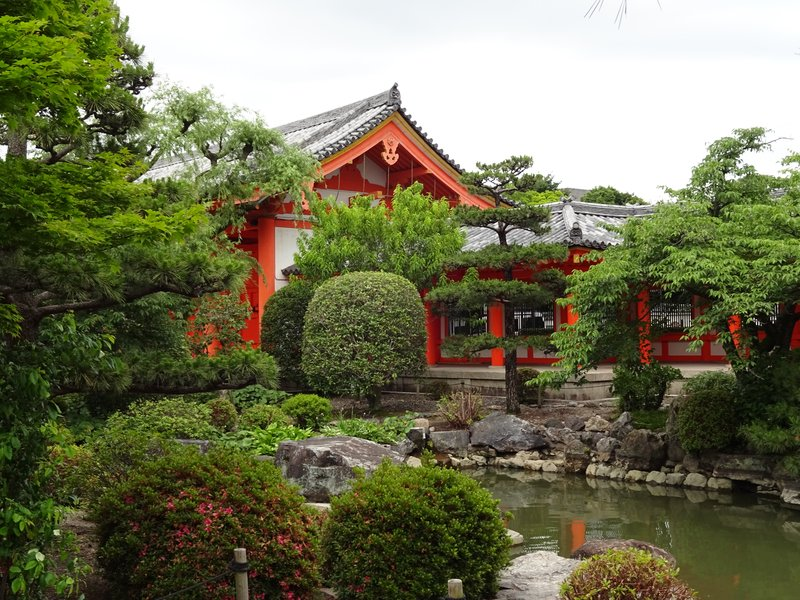 Garden in Sanjusangen-do Temple