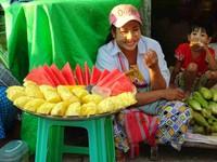 2019-01-13 Nyaungdon, ananas, pastèque