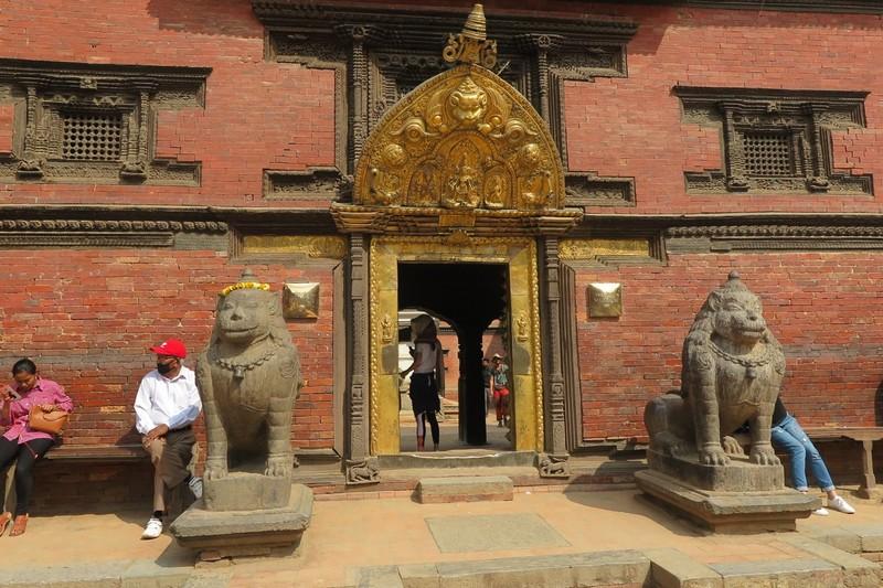 Golden door to Royal Palace Museum