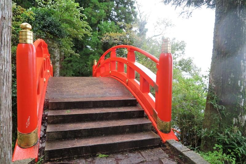 Walking to the lakeside Tori Gate