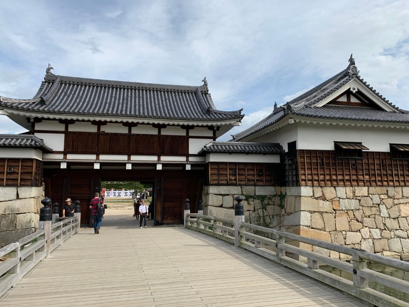 The gate at Hiroshima Castle