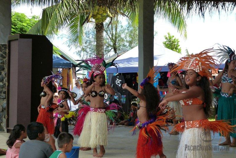traditional dancing cook islands