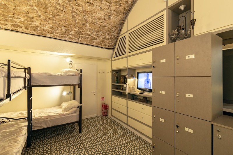 large_second-8-bed-room-4-bunk.jpg