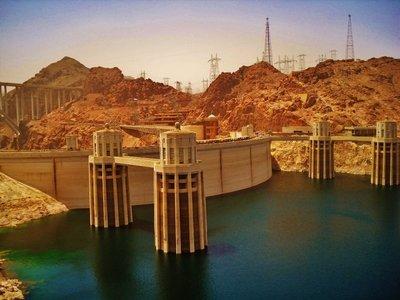 1-Hoover_Dam.jpg