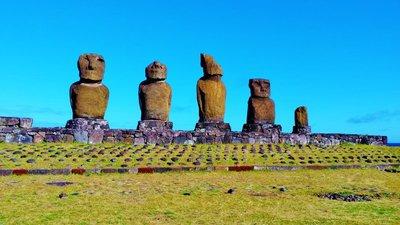 13-Moai.jpg