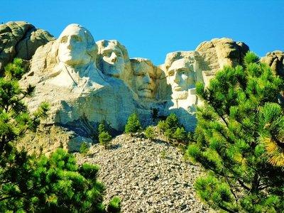24-Mount_Rushmore.jpg