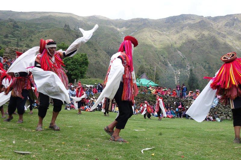men dance