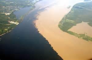 Manaus_joi..river_photo.jpg