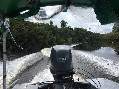 boat_to_resort.jpg