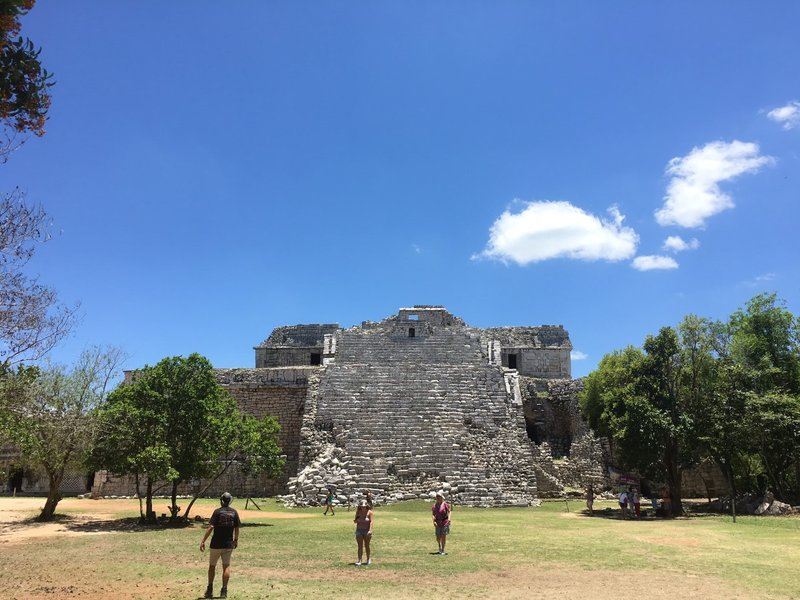 large_Chichen_Itza_-_3.jpg