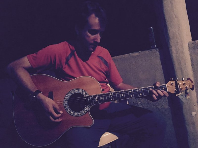large_NM_Neil_Guitar.jpg