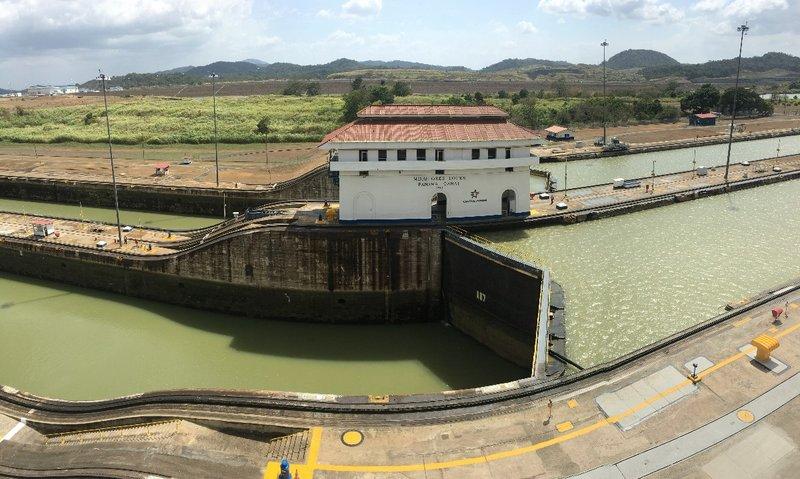 large_Panama_Canal_Lock_Photo.jpg